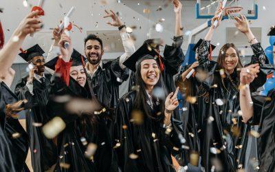 Wie kann ich als Akademiker bei der Berufsunfähigkeitsversicherung sparen?